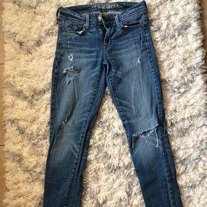 AMERICAN EAGLE super skinny medium wash jeans